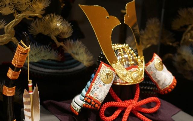 五月人形の基礎知識! 兜や弓を飾る意味について