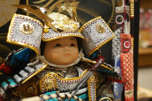 息子への五月人形・鯉のぼりは誰が買うのがよい?